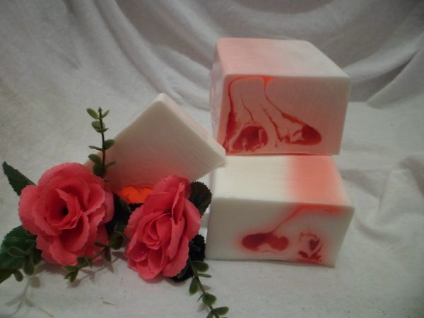 Rote Rose Glycerinseife mit Schafmilch